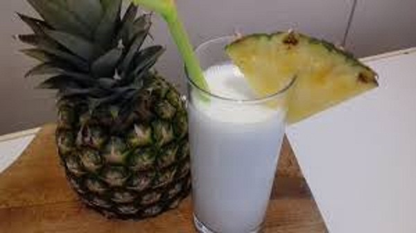 Pina Colada Smoothie ( Low-Carb, Dairy-Free, Sugar-Free)