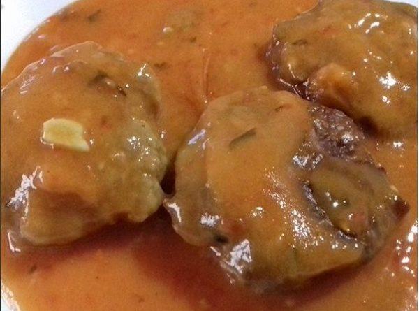 Meatballs In Tomato Sauce (Low-Carb, Paleo Recipe)
