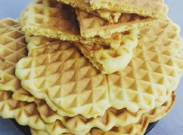 Keto Waffles with Almond Flour (Gluten Free Recipe)