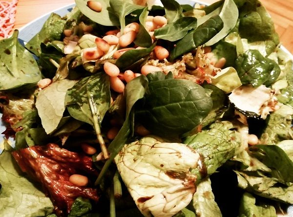 Balsamic Veggie Salad with Arugula, Pine Nuts, and Spinach (Low-Carb)