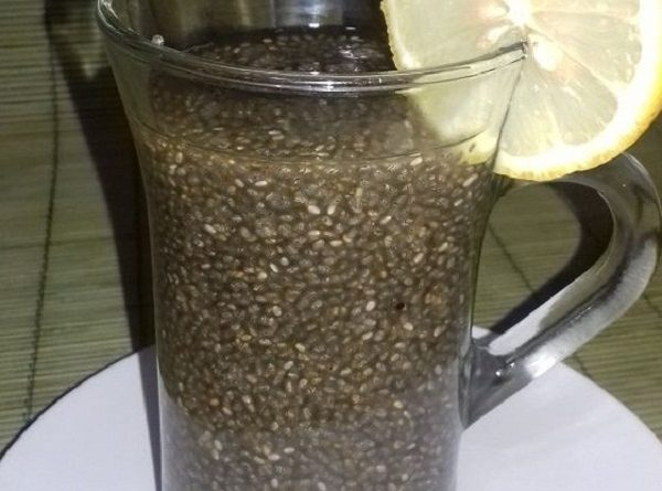 Weight Loss Drink with Green Tea and Chia Seeds