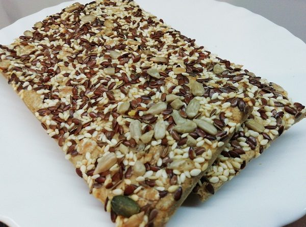 Seed Crackers Crispy, Crunchy, Gluten-free, Vegetarian, Paleo