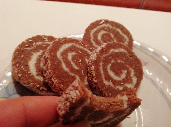 Chocolate Keto Rolls ( No Bake, Gluten Free Recipe)
