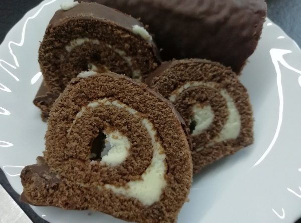 Chocolate Roll Cake with Vanilla Flavor , Easy Recipe