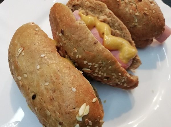 Hot Dog Buns with Psyllium Husk (Low-Carb Recipe)